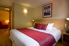 93701_007_Guestroom
