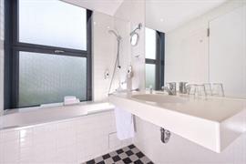 95297_007_Guestroom