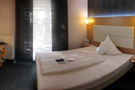 95314_007_Guestroom