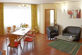 95077_004_Guestroom