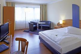 95077_005_Guestroom