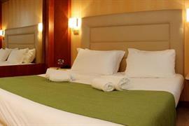 98347_003_Guestroom