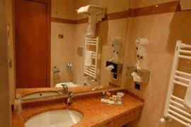 98347_007_Guestroom