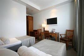 91081_006_Guestroom
