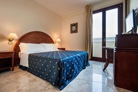 98248_004_Guestroom
