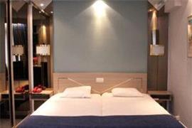 92929_004_Guestroom