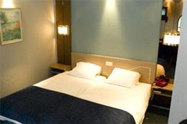 92929_005_Guestroom
