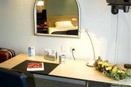 92929_006_Guestroom
