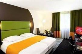 92927_007_Guestroom