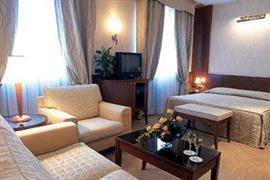 98179_002_Guestroom