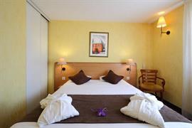 93571_005_Guestroom