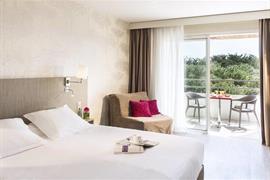 93739_002_Guestroom