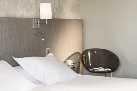 93739_003_Guestroom
