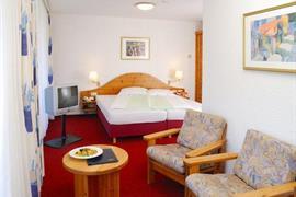 95437_006_Guestroom