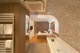 95466_003_Guestroom