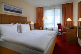 95387_005_Guestroom