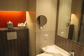 95387_006_Guestroom