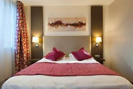 93725_006_Guestroom
