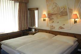 94083_007_Guestroom