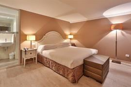 98308_004_Guestroom