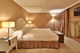 98308_007_Guestroom