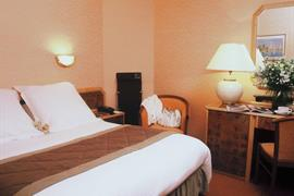 93374_005_Guestroom