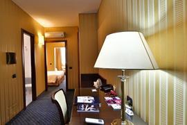 98235_007_Guestroom