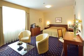 98262_001_Guestroom