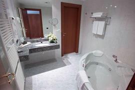 98262_004_Guestroom
