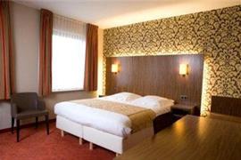 92615_004_Guestroom