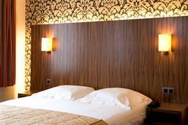 92615_005_Guestroom