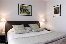 93451_003_Guestroom