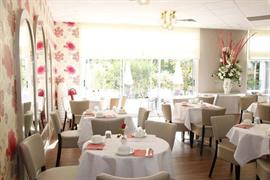 93451_006_Restaurant