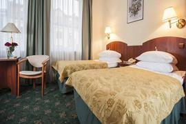 81007_004_Guestroom