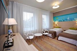 81007_006_Guestroom