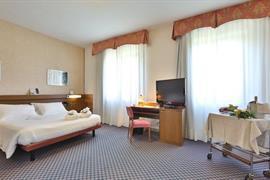 98130_007_Guestroom