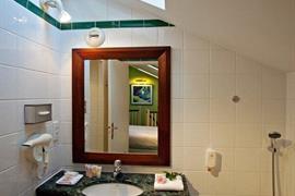 93449_004_Guestroom
