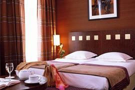 93449_006_Guestroom