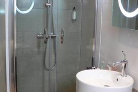93629_004_Guestroom