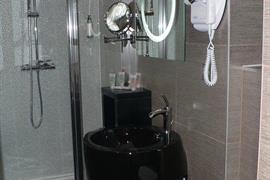 93629_005_Guestroom