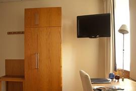 88193_005_Guestroom