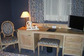 93403_003_Guestroom