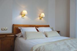 93403_004_Guestroom