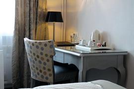 93403_006_Guestroom