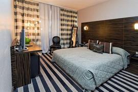 93416_004_Guestroom