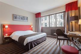 93416_006_Guestroom
