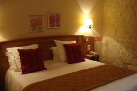 93421_004_Guestroom