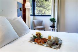 93652_006_Guestroom