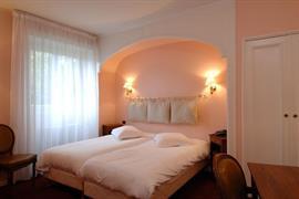 93670_004_Guestroom