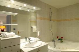 93670_006_Guestroom